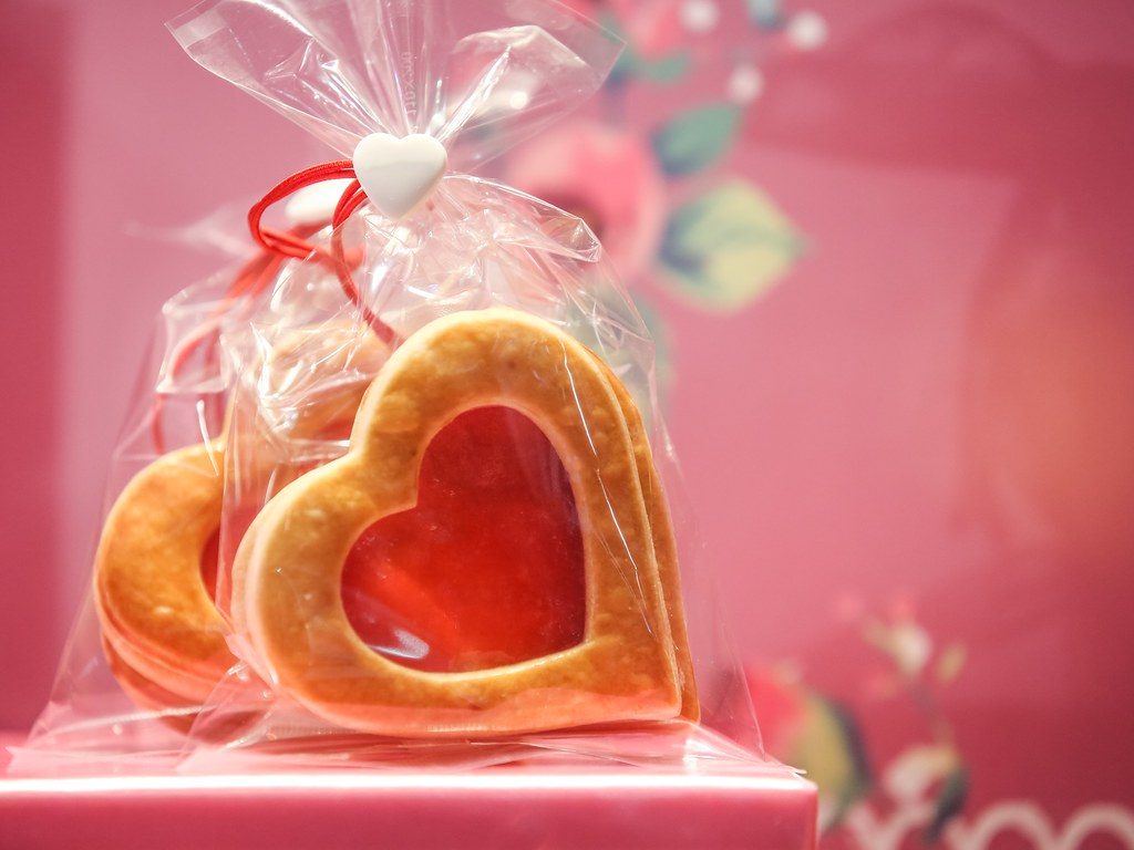 Symbols Of Love Heart Shaped Sweets Gettyimages Flickr