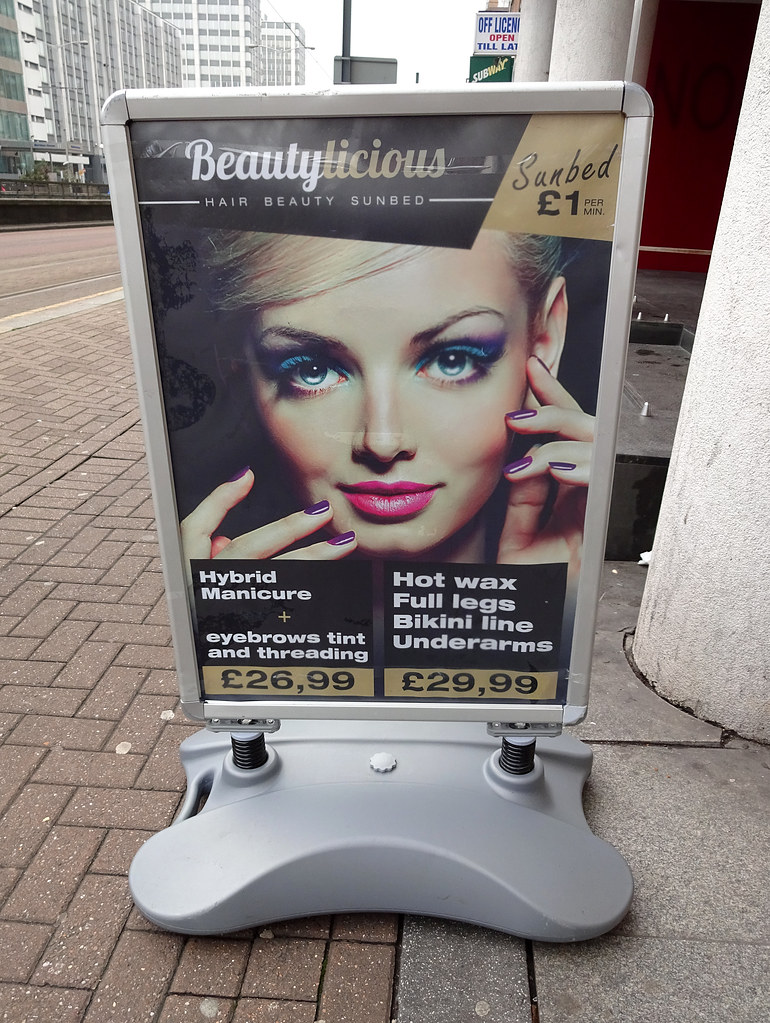A Board Outside Beautylicious Croydon London Cr0 Flickr