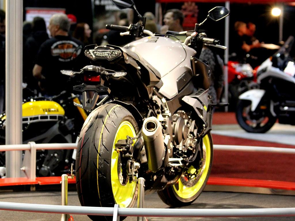 2016 Yamaha MT10 FZ10
