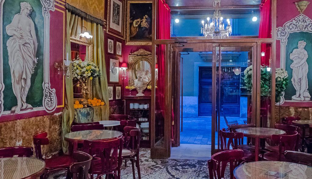 Cafe De Las Horas In Valencia High Iso Sony Cybershot R Flickr