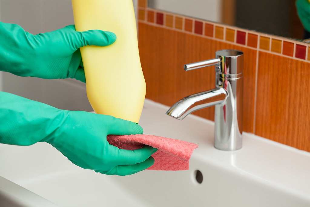 Life Hacks on Bathroom Tiles Cleaning
