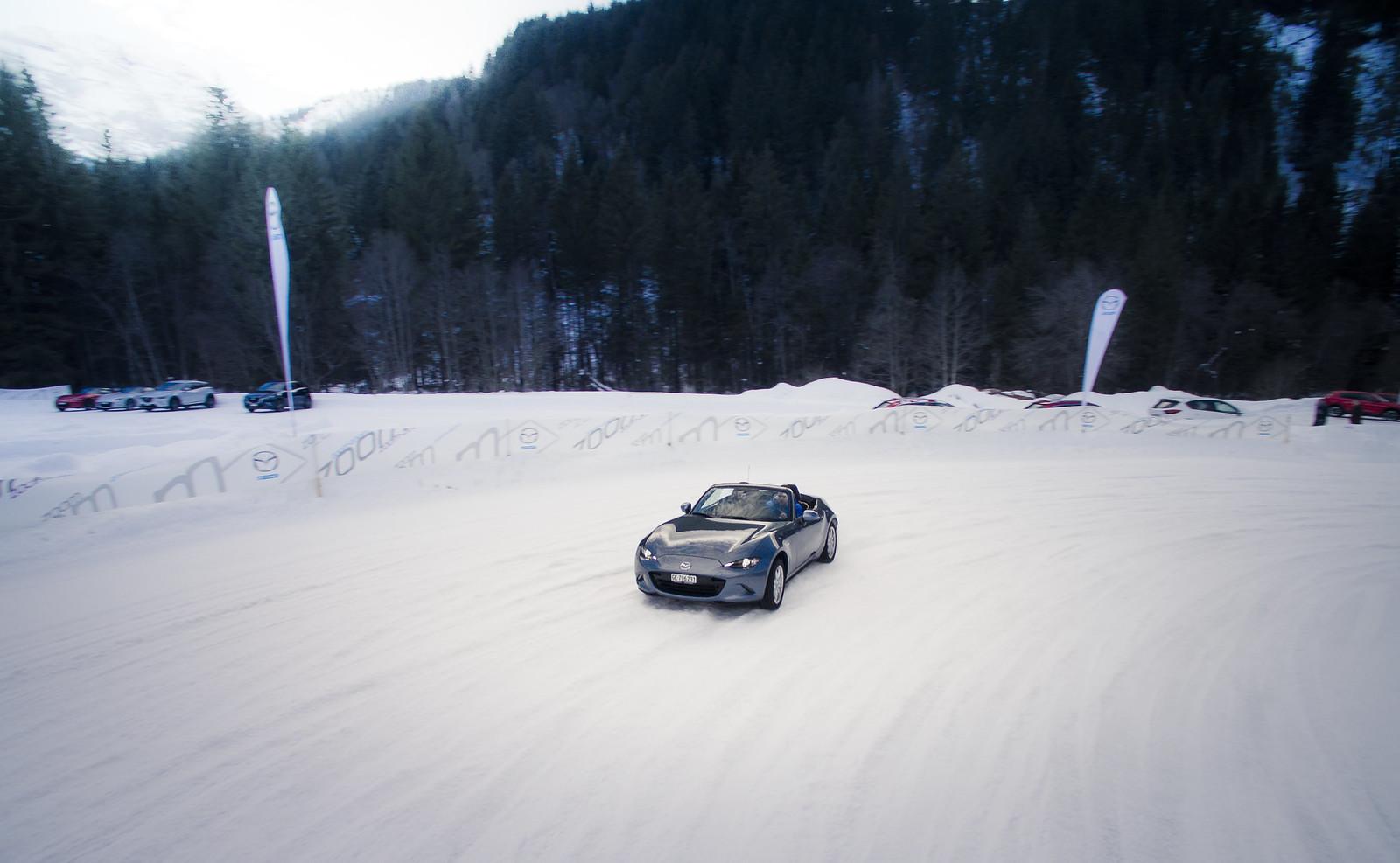 Mazda Millenia White Snow Milly Logbook: Mazda Snow Xperience - 30.01.2016