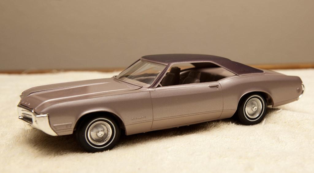 1969 Buick Riviera Promo Model Car - Plum over Sunset Silv… | Flickr