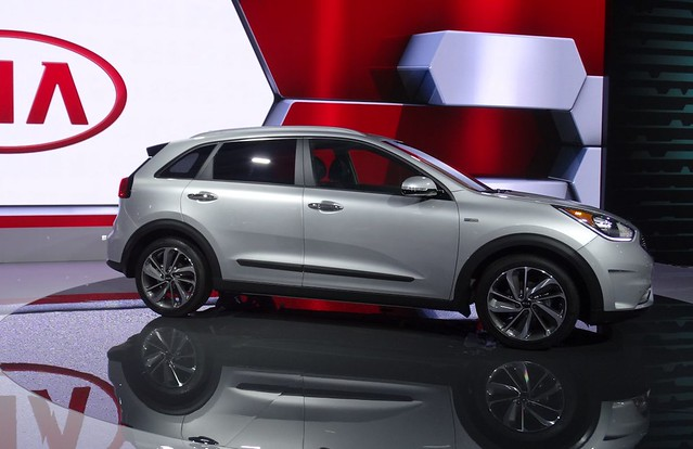 Kia Niro Hybrid at 2016 CIAS