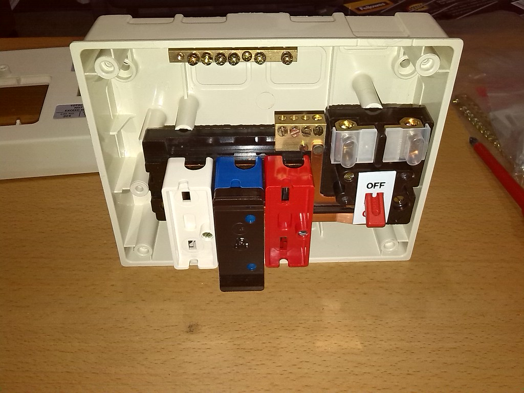 wylex traditional rewireable fusebox 8184496 flickr rh flickr com