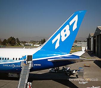 Boeing B787 N787BX tail (RD)