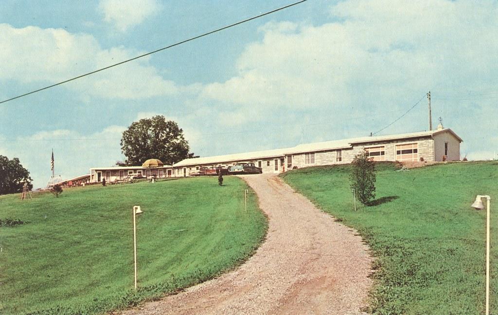 Hillcrest Motel - Angola, Indiana