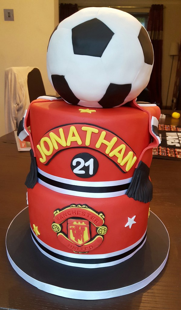 Manchester United Birthday Cake A 3 Tier Manchester United Flickr