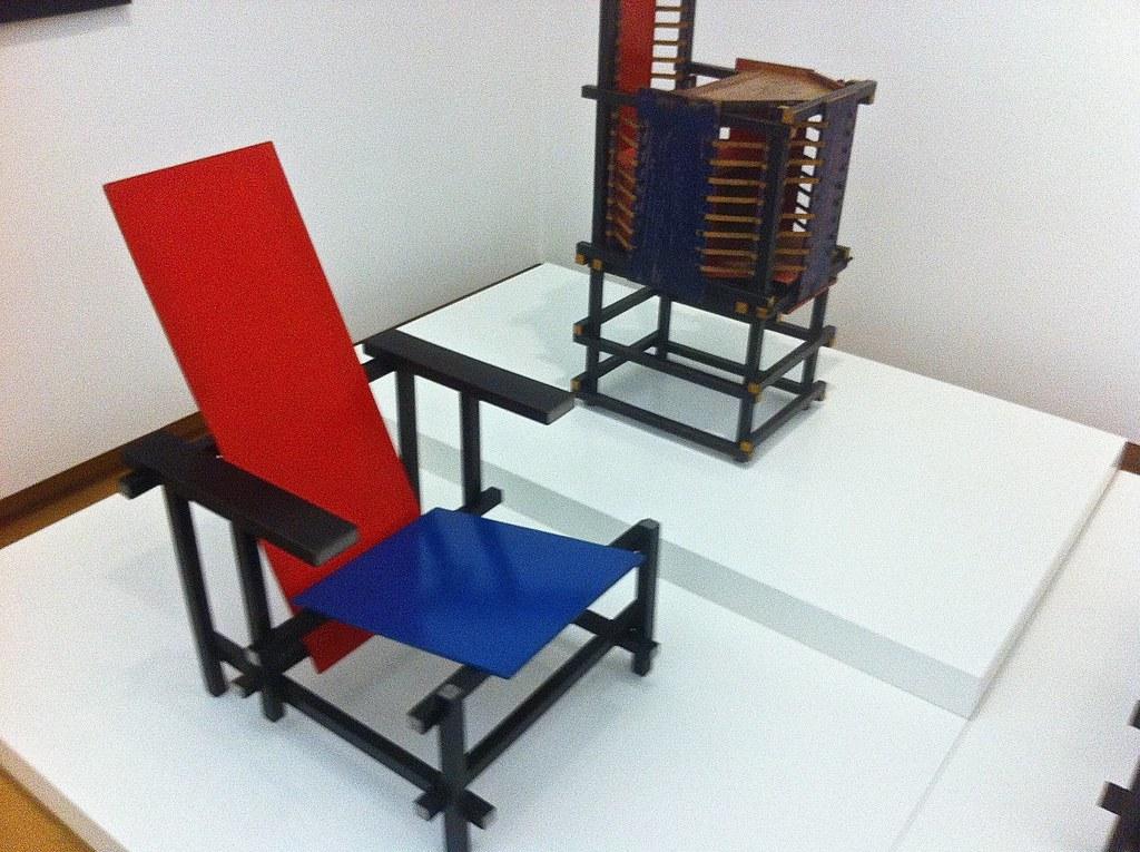 Stoel Gerrit Rietveld : Rood blauwe stoel witteveen kinderstoel gerrit rietvelu2026 flickr
