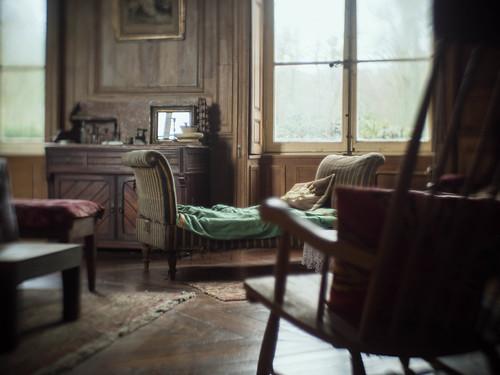 quand il pleut dehors le ch teau repris par une assoc flickr. Black Bedroom Furniture Sets. Home Design Ideas