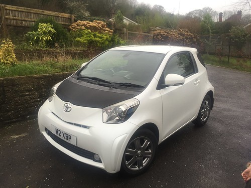 toyota iq the m3cutters uk bmw m3 group forum. Black Bedroom Furniture Sets. Home Design Ideas