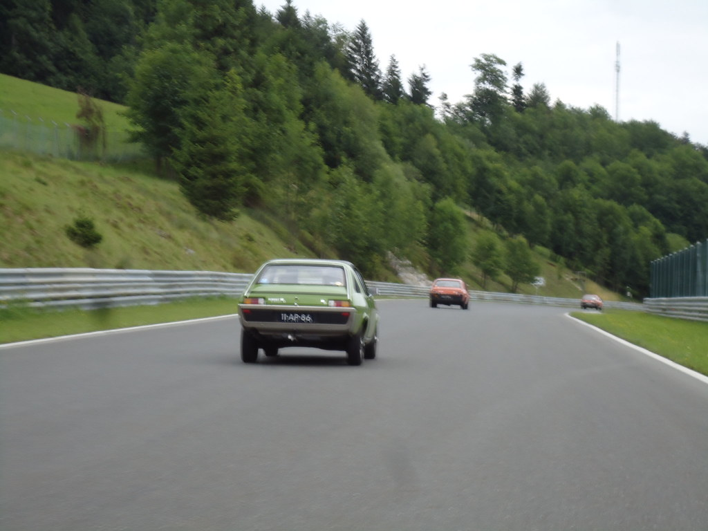 Racing At Salzburg Ring Circuit Meeting Club Renault 15 17 Flickr Ringcircuit By Fuego 81