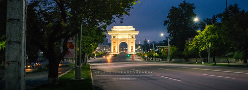 Night view of Arch of Triumph | by reubenteo