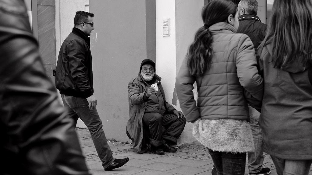 man begging Old