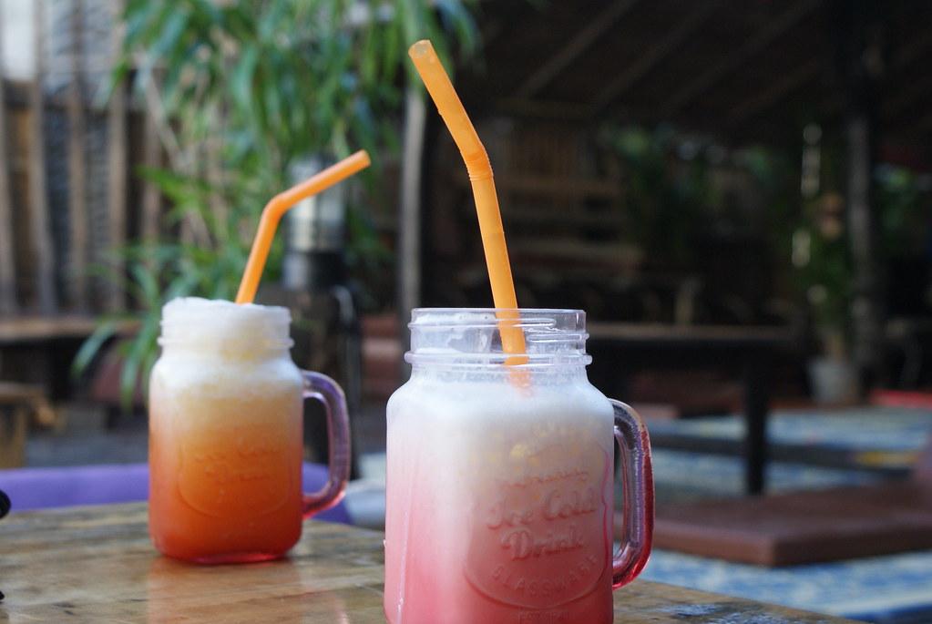 Le moment d'un smoothie sur l'île de Koh Phangan en Thailande.