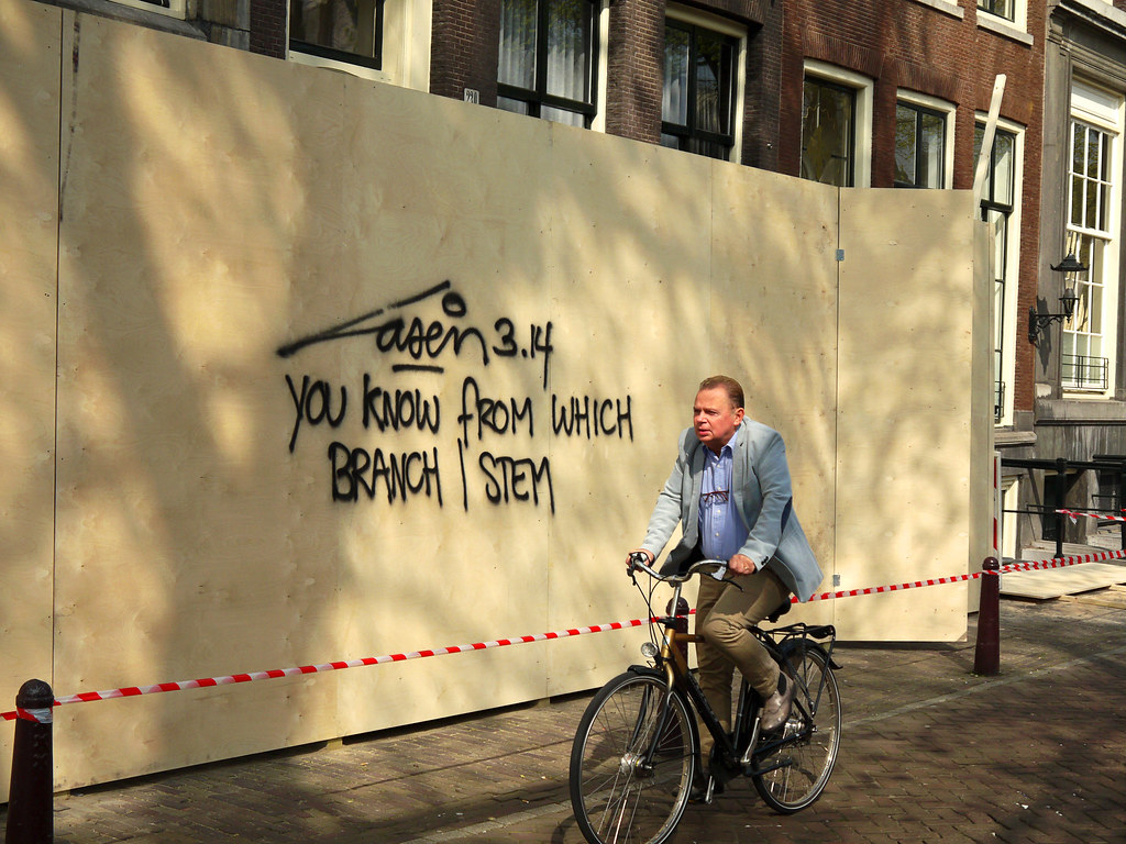 2015.04 - Amsterdam photo of street-art & light - A wall-w… | Flickr