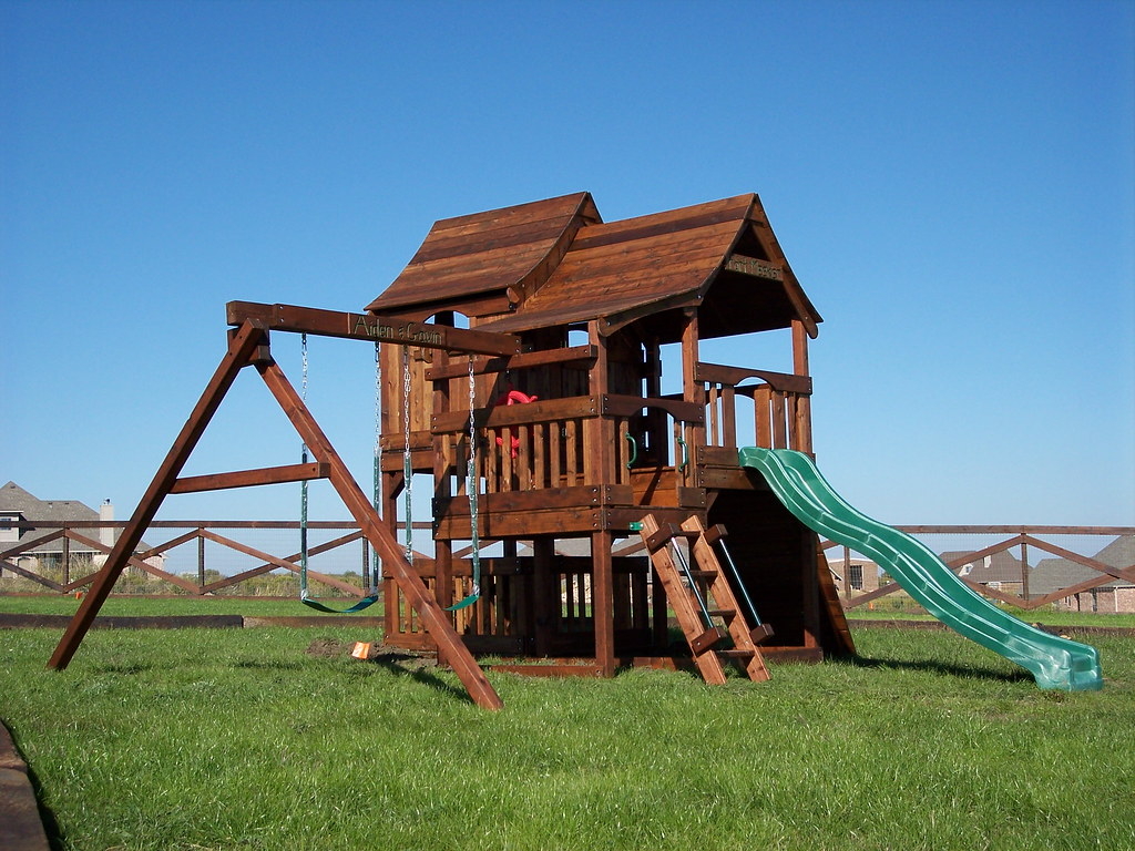 ... Fun Shack Tri-Level Swing Set | by Backyard Fun Factory - Fun Shack Tri-Level Swing Set Backyardfunfactory.com/woode… Flickr