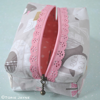 Lace zip boxy pouch tutorial 19 | by toriejayne