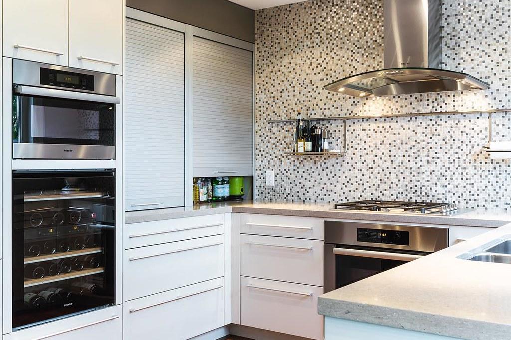 Binns designed kitchen featuring Artcraft cabinets, Miele … | Flickr