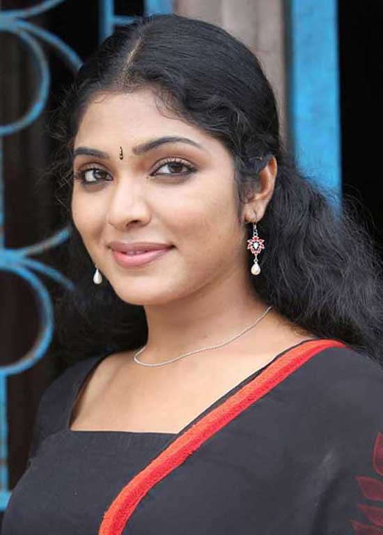 Rima Kallingal Hot Photo Stills 28 By Dainkrashtriya