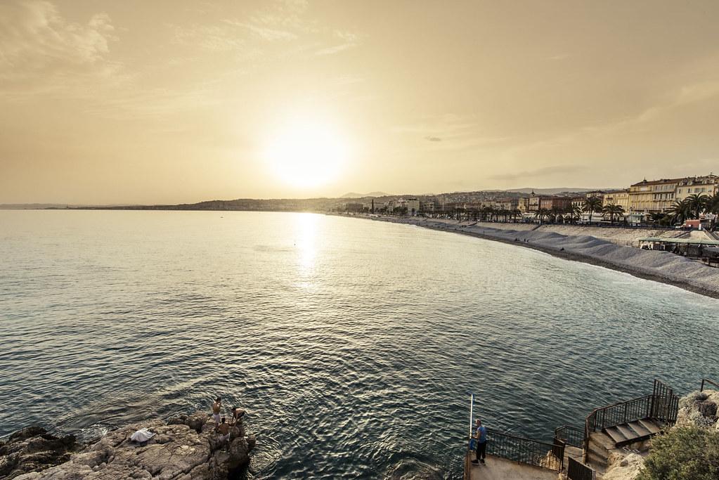 Engelsbucht von Nizza im Sonnenuntergang