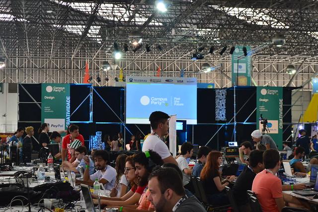 Estudantes da Fatec Carapicuíba apresentam projetos na Campus Party