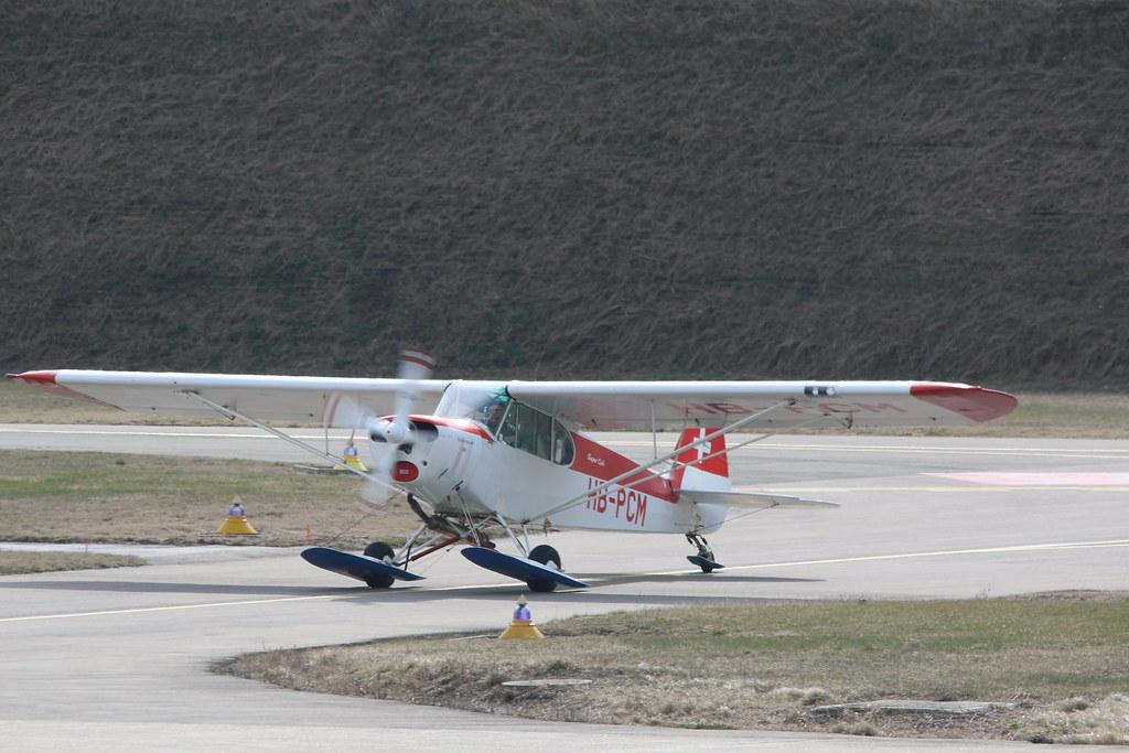 Aéroport - base aérienne de Sion (Suisse) 25202239464_9b9c1c8936_b