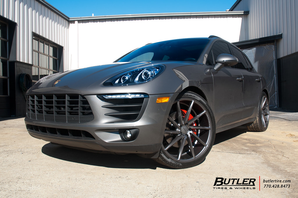 Lowered Porsche Macan S With 22in Vossen Cvt Wheels And Pi Flickr