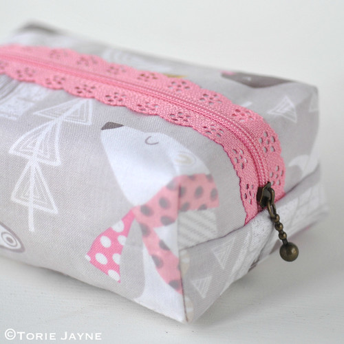Lace zip boxy pouch tutorial 21 | by toriejayne
