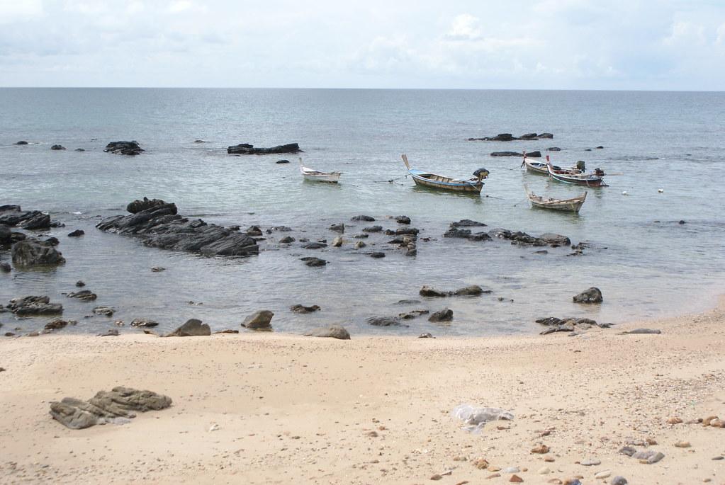 Une plage de Koh Lanta à marée basse.