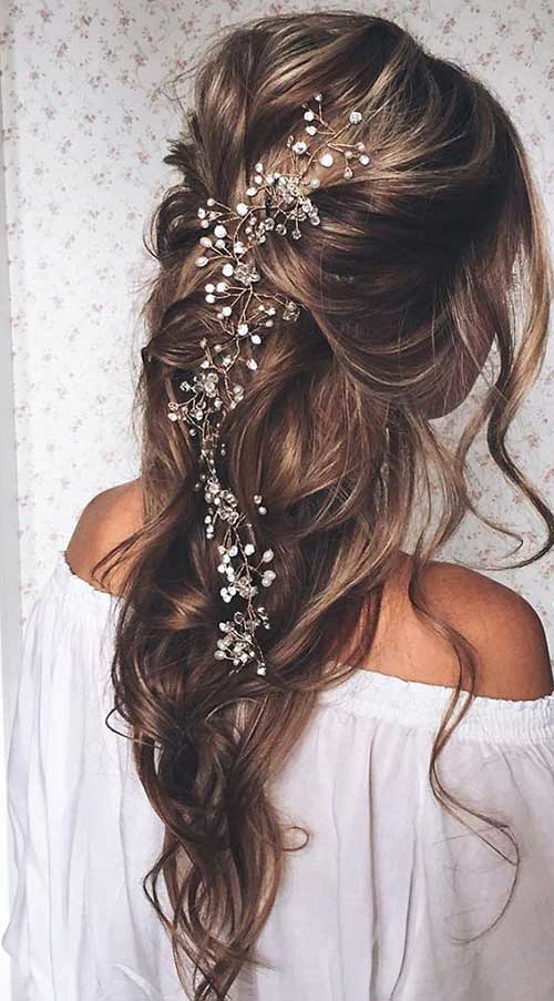 Prom-Hairstyles-Down-for-Long-Hair-with-Little-Flowers   Flickr