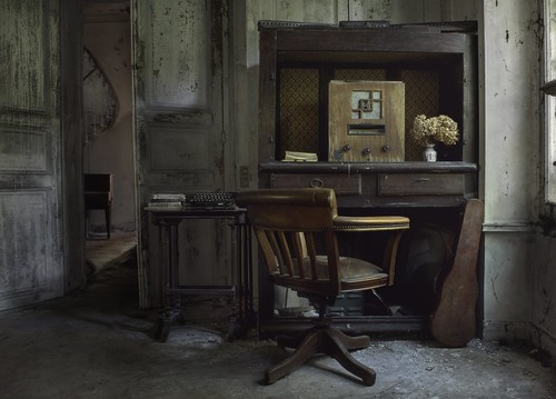 Home entertainment abandoned manor house andre govia for Homes by andre