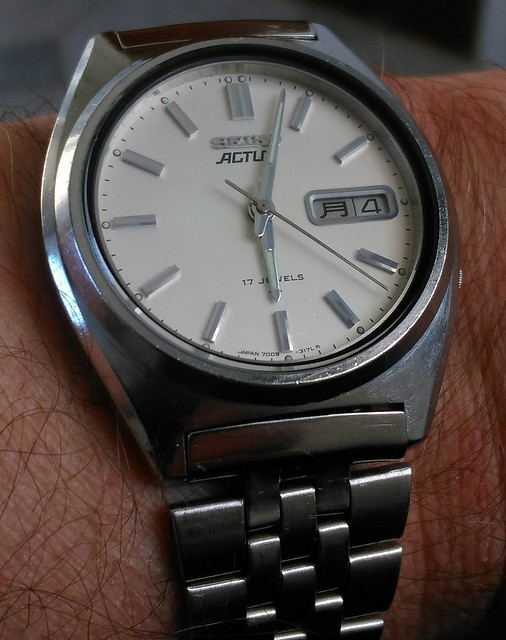 Let us see your Seikos  - Page 2 25631152504_9e1b078ec2_z