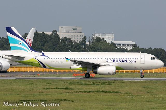 Air Busan / A320-232 / HL7744 / NRT