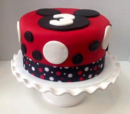 Mickey Mouse cake by Gayle, Northern Utah, www.birthdaycakes4free.com | by Birthday Cakes 4 Free