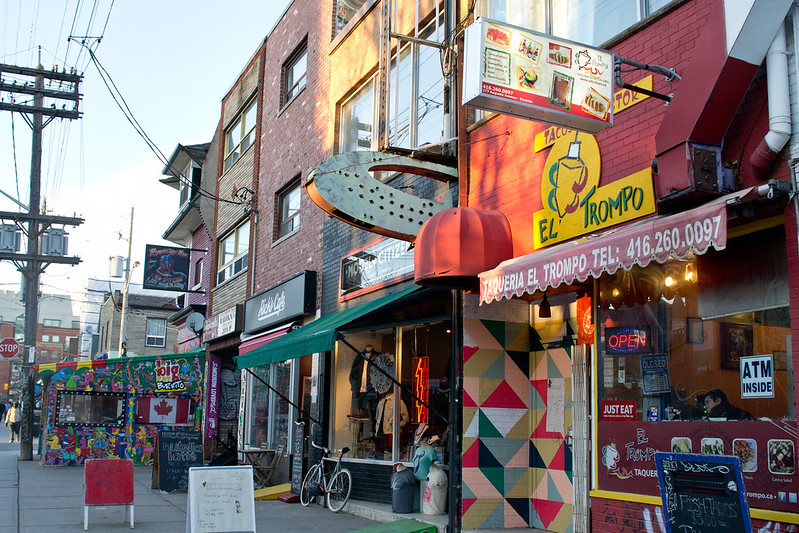 Kensington Market Restaurants and Shops, Toronto, Canada | packmeto.com