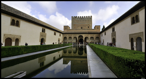 Patio de los Arrayanes / Court of the Myrtles (Alhambra de…  Flickr