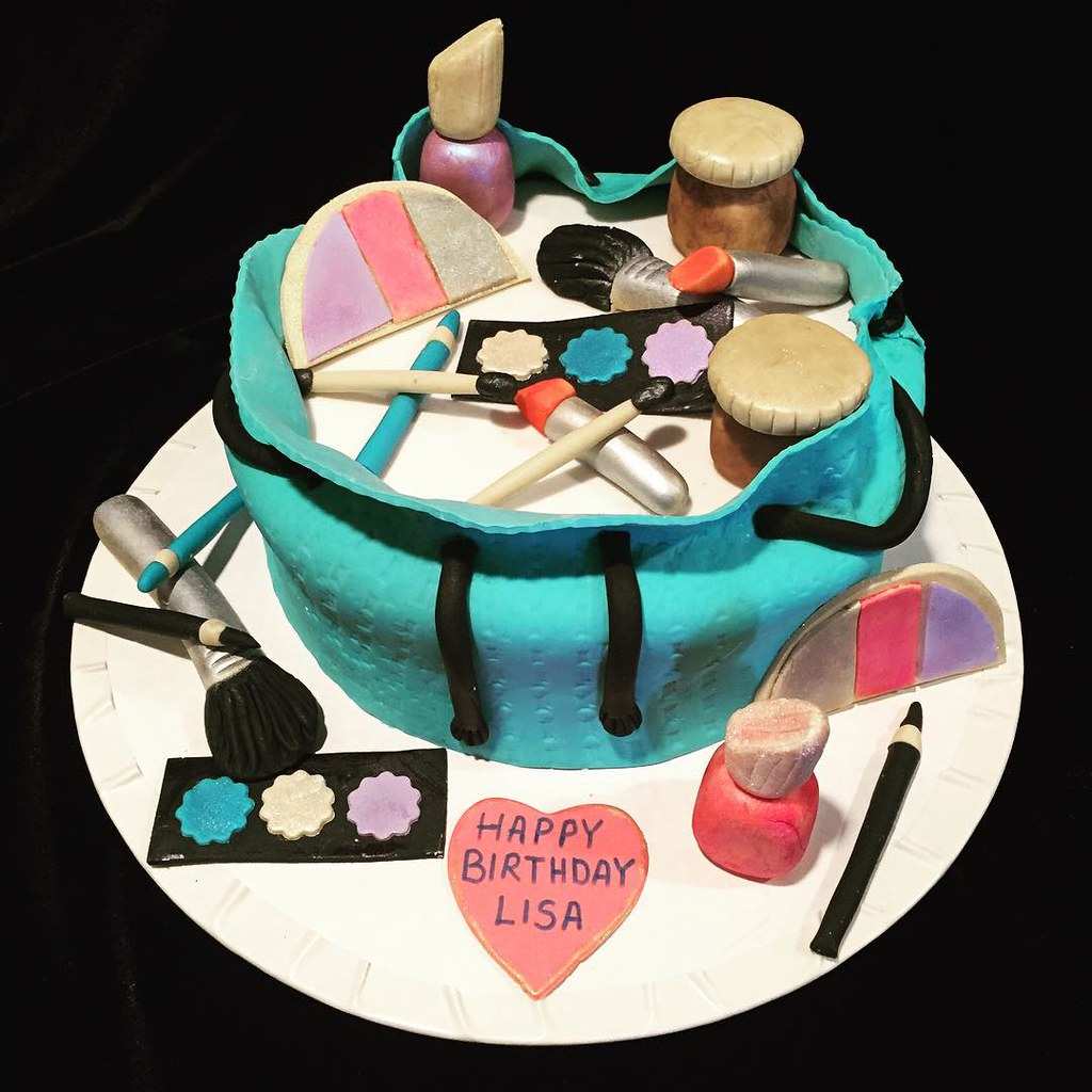 Makeup bag birthday cakecake cakessweet pastries maya Flickr