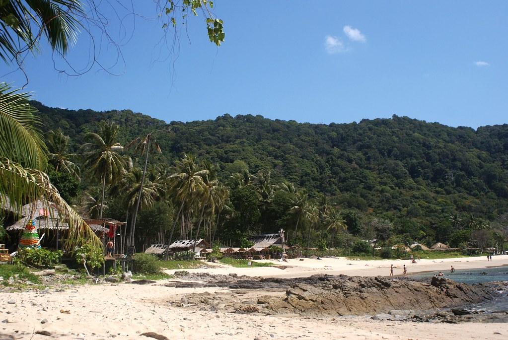 Plage de Bamboo bay dans le sud de Koh Lanta.