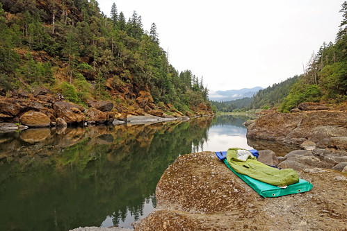 Camping on the Rogue River, Rogue River Siskiyou National Forest | by Forest Service Pacific Northwest Region