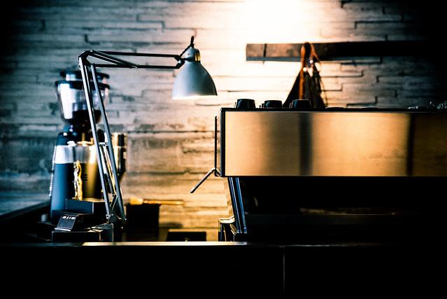 台北/中山/大直–冷調空間只賣咖啡–STEPS coffee