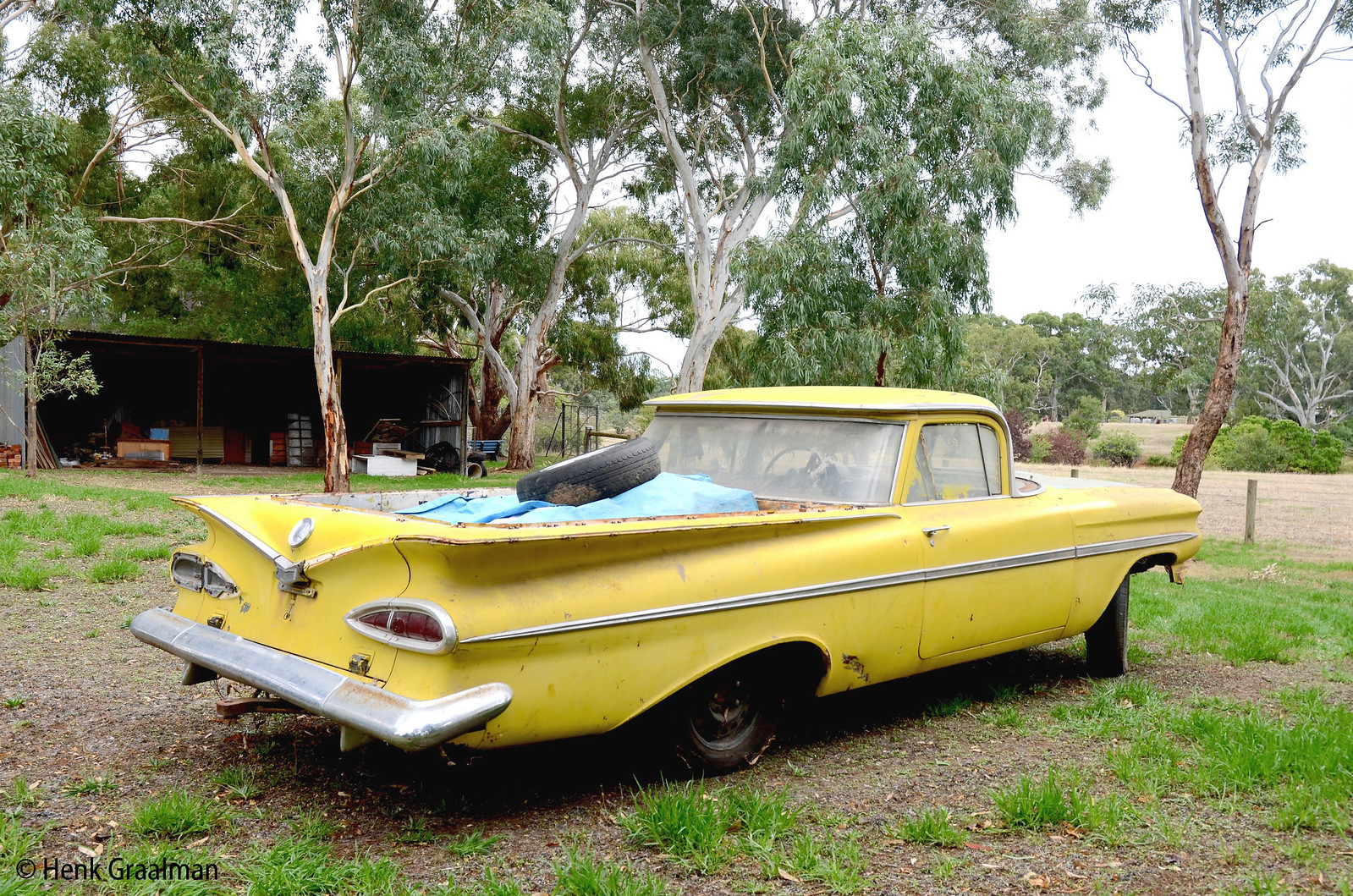 Australian outback old timer car wrecks and farm junkyards | Flickr