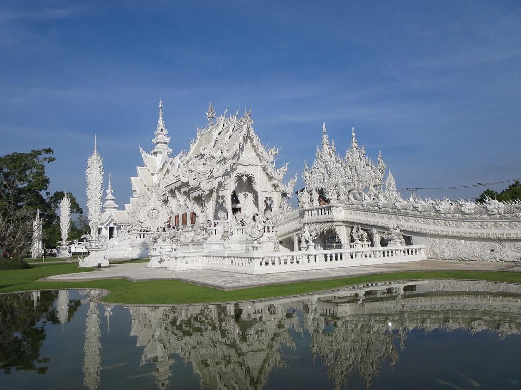 Wat Rong Khun (White Temple) (8)