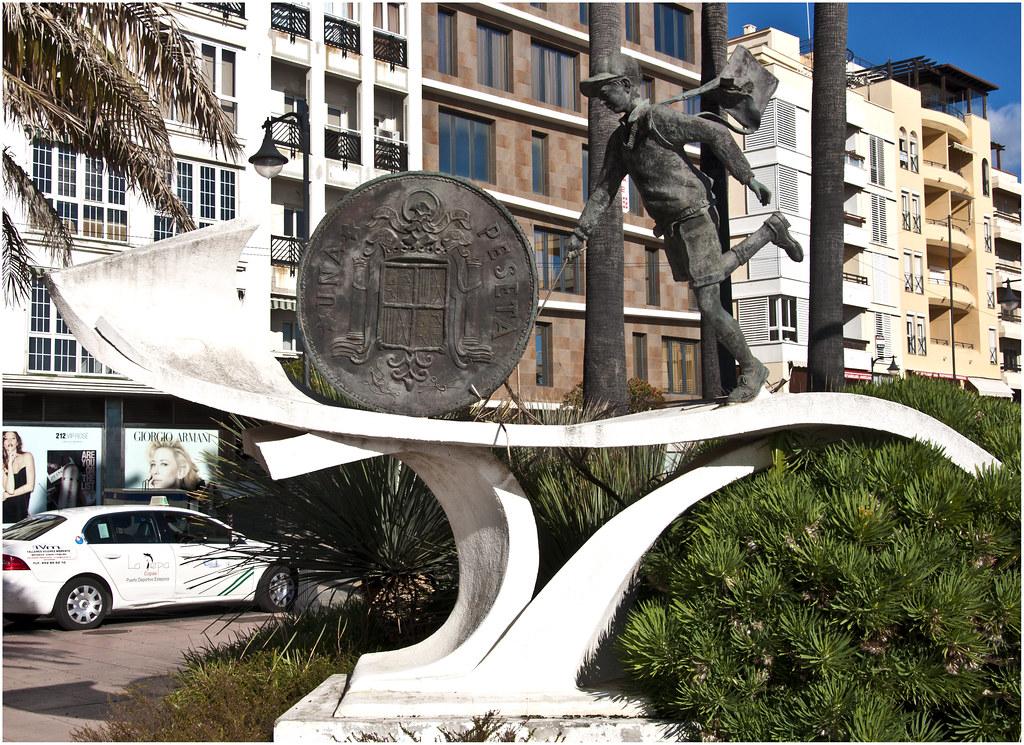 0176-MONUMENTO A LA PESETA- RIP- ESTEPONA - | www.fluidr.com… | Flickr