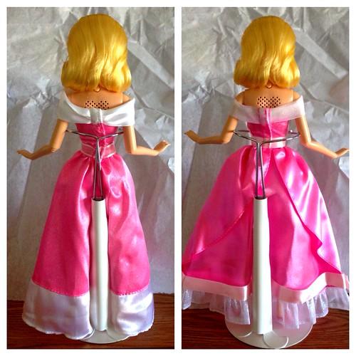 Disney Princess Cinderella Singing Doll And Costume Set