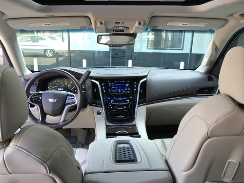 escalade interior leather seats and steering wheel luxury flickr. Black Bedroom Furniture Sets. Home Design Ideas