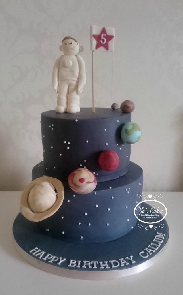 Space Themed 5th Birthday Cake White Rose Cake Design Flickr
