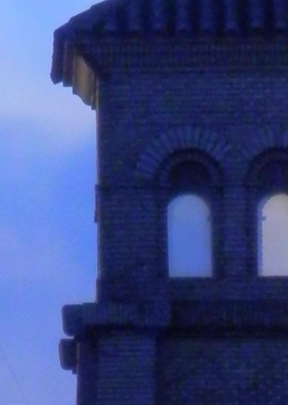 Torre al amanecer