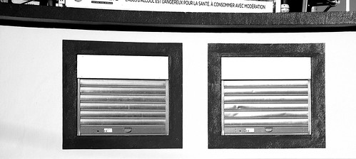 Perpignan gilbert brutus stadium ticket office black and w - Piscine gilbert brutus perpignan ...