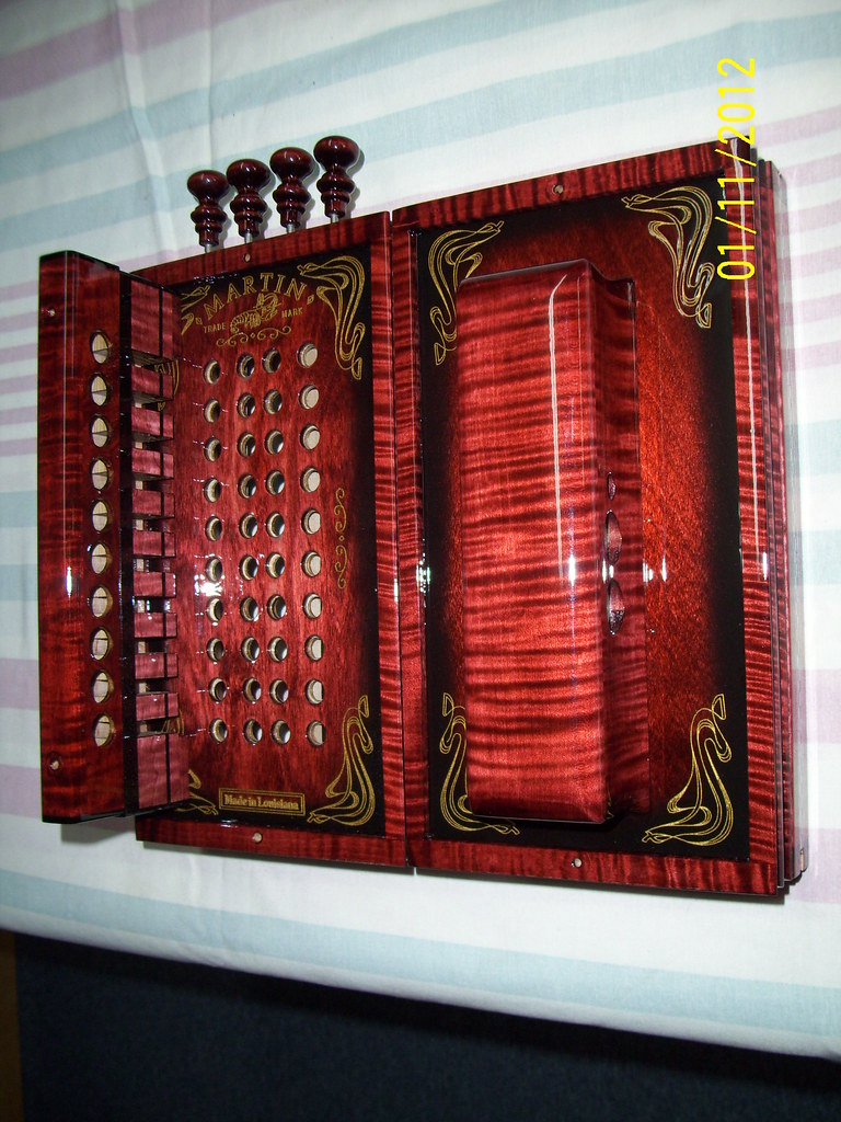 Red Mahogany Stain Curly Maple Martin Accordion